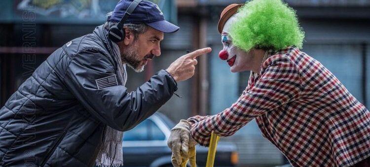 Todd Phillips e Joaquin Phoenix no set de filmagens; Warner; Toby Emmerich